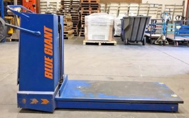 Blue Giant, Hydraulic / Battery Op Mobile Scissor Lift, TS2, 2000 lbs capacity