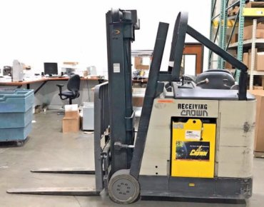 2008 Electric Crown RC3020-35 Compact Stand Up Electric Forklift, 3,500 lbs